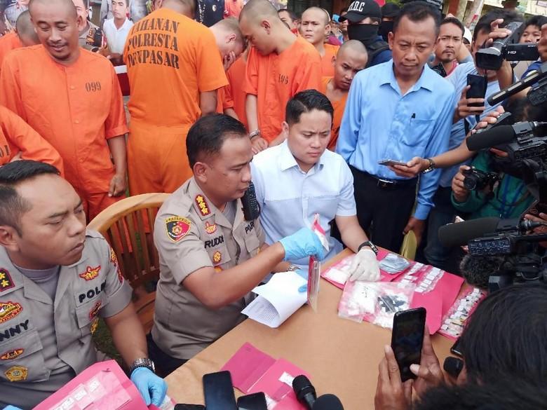 2 WN Ausie Pengguna Kokain Ditangkap di Kelab Malam di Bali