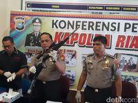 Kapolda Riau jumpa pers soal baku tembak dengan bandar narkoba Satriadi Cs  (Chaidir-detik)