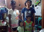 Anak Jual Kue Sambil Gendong Adik Ngaku Ditinggal Mati Ayah, Ini Ceritanya