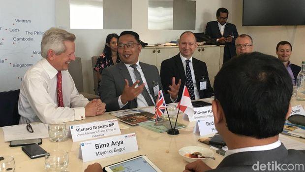 Lawatan Ridwan Kamil ke Inggris: Buru Investor dan Jualan Teh Jabar
