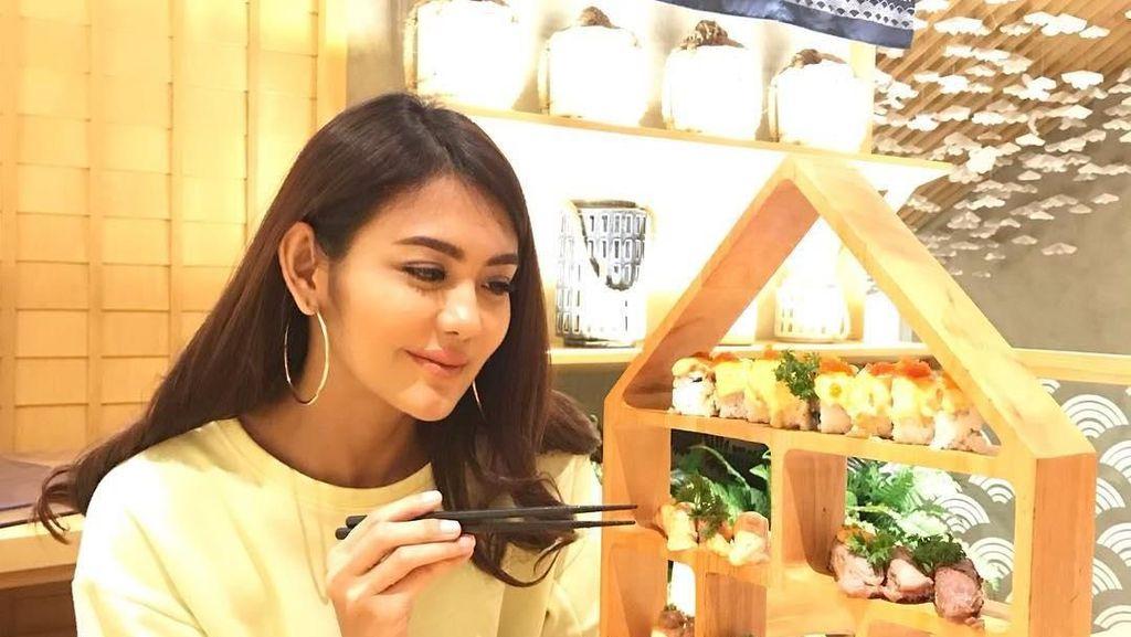 Kopi hingga Sushi Jadi Santapan Favorit Juliana Moechtar Saat Kulineran