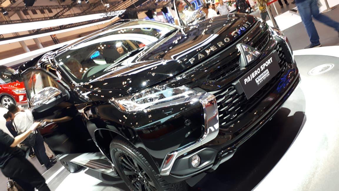 Mitsubishi Pajero Sport Rockford Fostage Black Edition