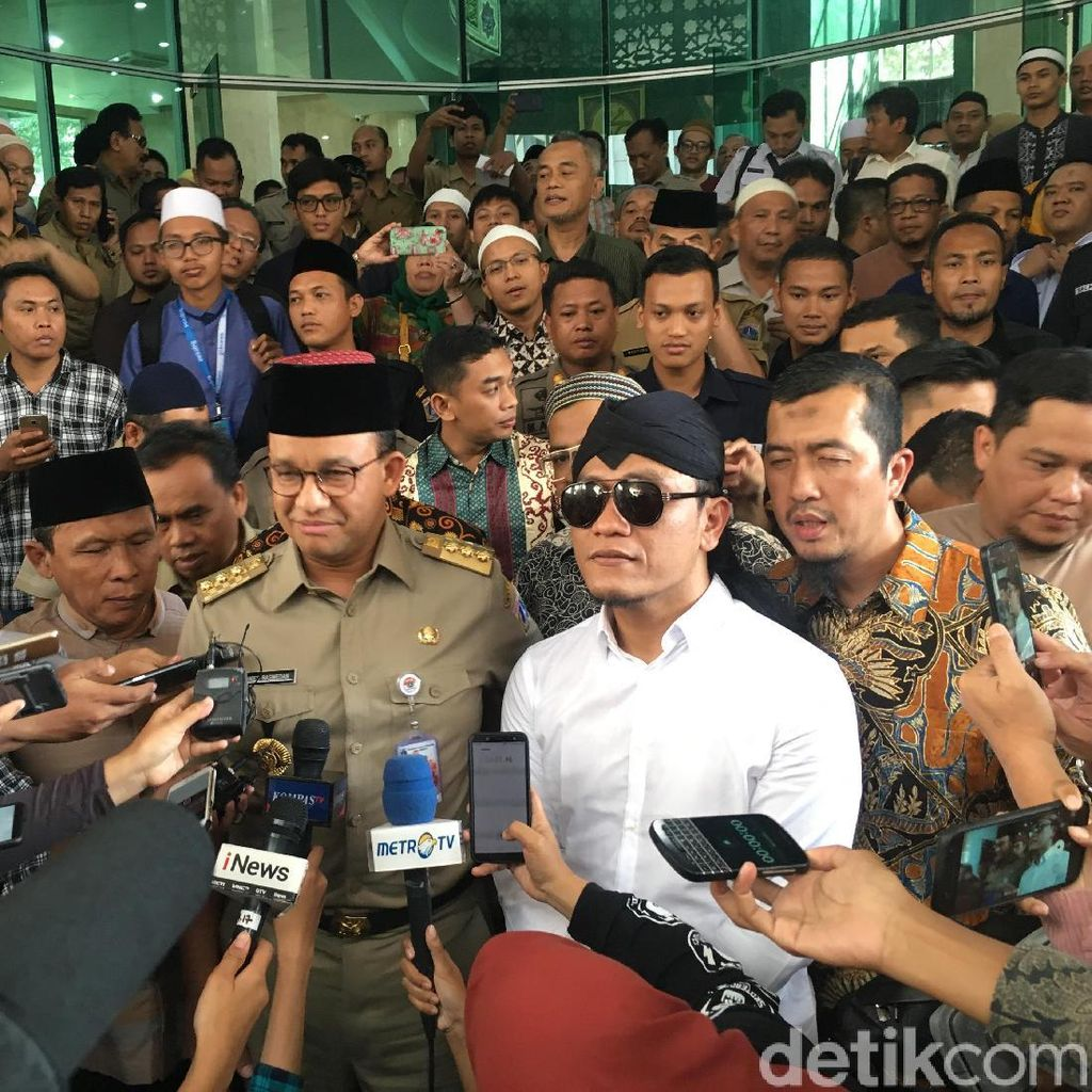 Anies Persilakan Gus Miftah Tausiah di Klub Malam: Ini Hak Warga