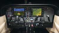 Cessna 172 Skyhawk jadi pilihan utama untuk latihan para pilot. Dengan jendela yang lebar untuk observasi para pilot hingga ketenangan saat mendarat adalah sederet kemampuan pesawat ini (Textron Aviation Inc)