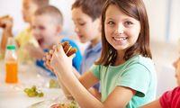 Bukan Perkecil Ukuran Piring Makan, Ini Cara Tepat Hindarkan Si Kecil dari Obesitas
