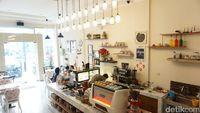 Di Bekasi Bisa Nongkrong Sambil Ngopi dan Ngemil Enak di 5 Kafe Ini