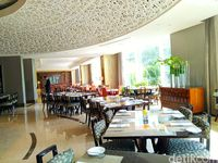 Di Resto Hotel Ini Bisa Makan Sepuasnya Lebih dari 100 Hidangan