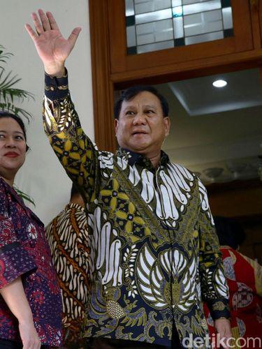 Prabowo dan Megawati Kompak Pakai Batik Saat Bertemu, Ini Maknanya