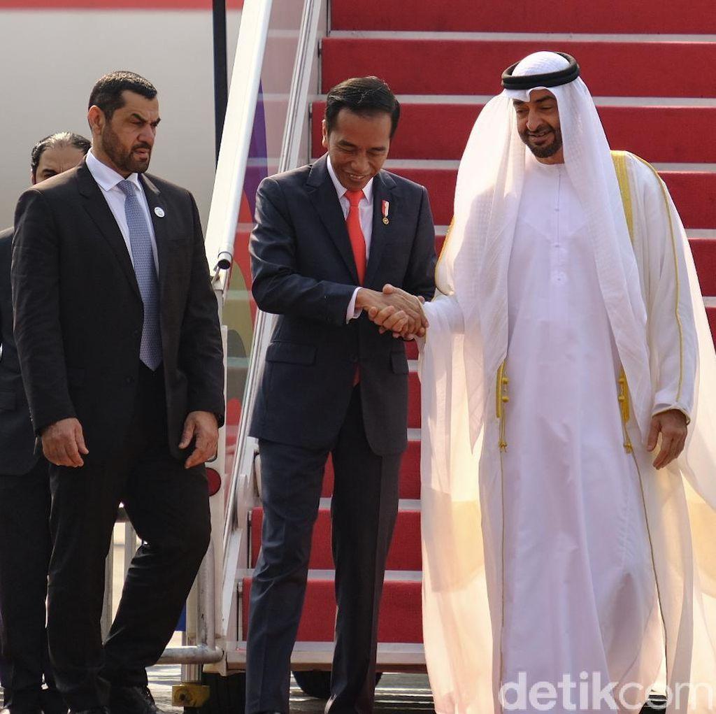 Jokowi Ajak Putra Mahkota Abu Dhabi Keliling Bundaran HI