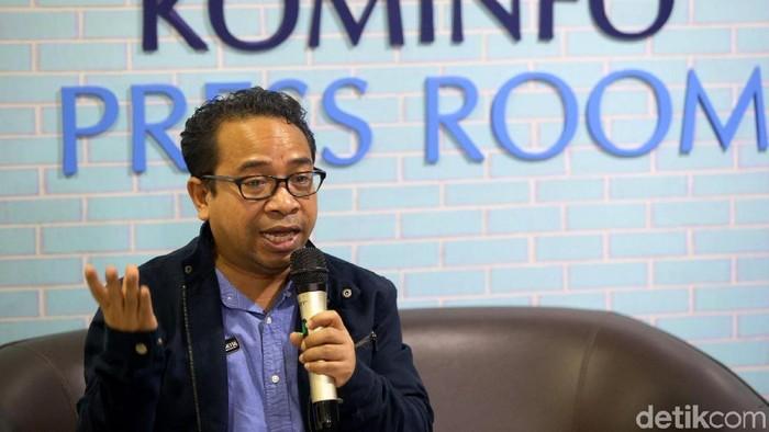 Plt Kepala Biro Humas Kementerian Kominfo Ferdinandus Setu bicara terkait konten YouTuber Kimi Hime yang dianggap kelewat vulgar. Bagaimana tanggapan Kominfo?