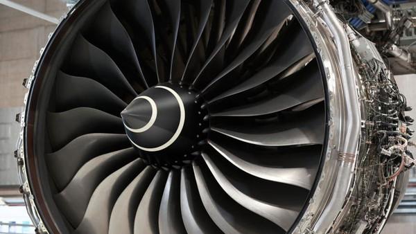 Salah satu yang digarap adalah mesin Trent XWB, mesin jet turbofan yang menggerakkan Airbus A350 XWB. Mesin ini ada di pesawat maskapai-maskapai seperti Qatar Airways, Singapore Airlines hingga Lufthansa (Rolls Royce/CNN)