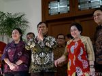 Prabowo Puji Nasi Goreng Buatan Mega: Luar Biasa, Saya Sampai Nambah!