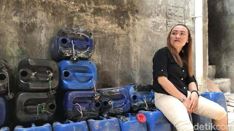 Pak Anies, Warga Muara Baru Beli Air Bersih sampai Rp 50 Ribu Per Hari