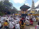 Rayakan Galungan, Umat Hindu Padati Pura Jagatnatha Denpasar
