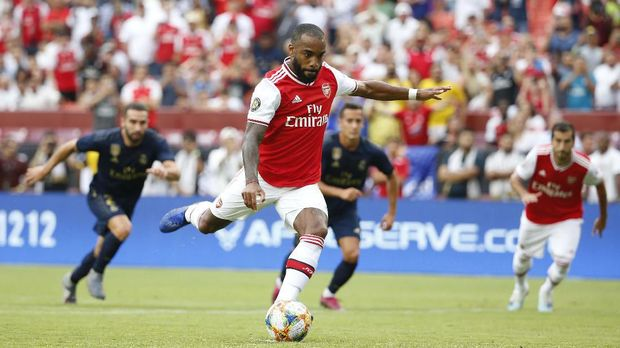 Aubameyang-Lacazette Dipuji Meski Arsenal Kalah dari Madrid