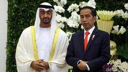 Usai Teken Proyek Rp 140 T, Jokowi Suguhi Pangeran Abu Dhabi Salak