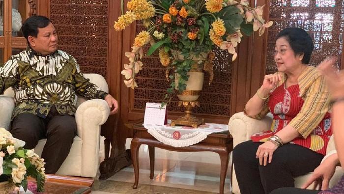 Foto: Ketum Gerindra Prabowo Subianto dan Ketum PDIP Megawati Soekarnoputri. (dok PDIP)