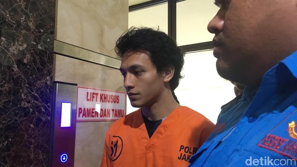 Penampakan Jefri Nichol Berbaju Tahanan