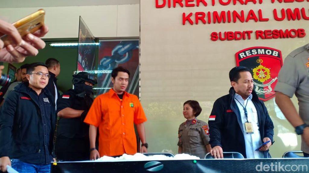 Detik-detik Kriss Hatta Menganiaya Antony Hillenaar hingga Babak Belur