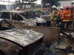 Kebakaran Parkiran Mobil Warga di Jakut, 1 Orang Alami Luka Bakar