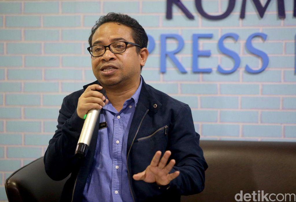 Plt Kepala Biro Humas Kementerian Kominfo Ferdinandus Setu,memberikan keterangan pers terkait konten YouTuber Kimi Hime di Jakarta, Rabu (24/7/2019). (Foto:Grandyos Zafna/detikcom)