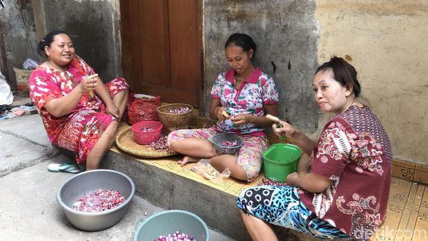 Warga Muara Baru Jakarta Utara
