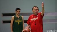 Pelatih Timnas Basket Indonesia Akhirnya Pulang ke Serbia
