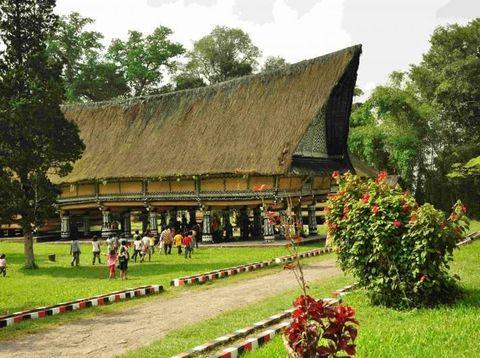 rumah khas Sumatera Utara