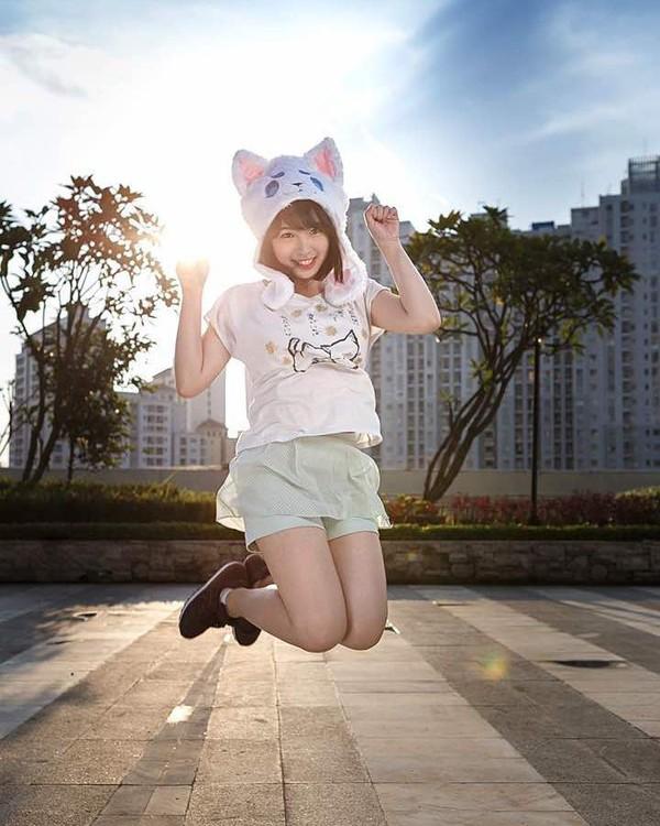 Ini gaya Kimi Hime di Central Park, Jakarta. Imut banget! (kimi.hime/Instagram)