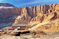 Valley of the Kings merupakan rumah alias kuburan bagi raja-raja Tutankhamen. Konon kuburan ini punya kutukan yang masih dipercaya hingga sekarang. (iStock)