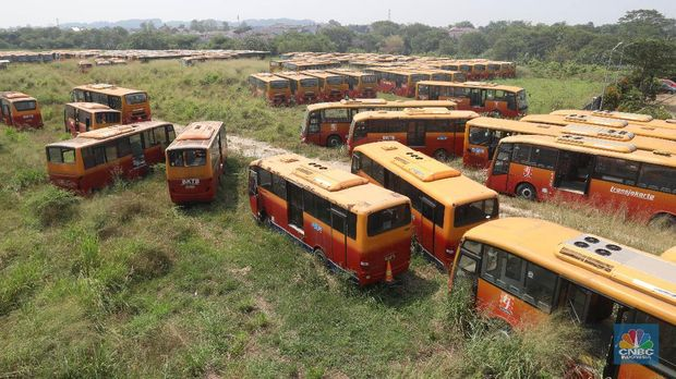 'Kuburan' Bus TransJakarta dan Jejak Sekongkol Tender di DKI