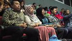 Amnesti Disetujui DPR, Baiq Nuril Sujud Syukur