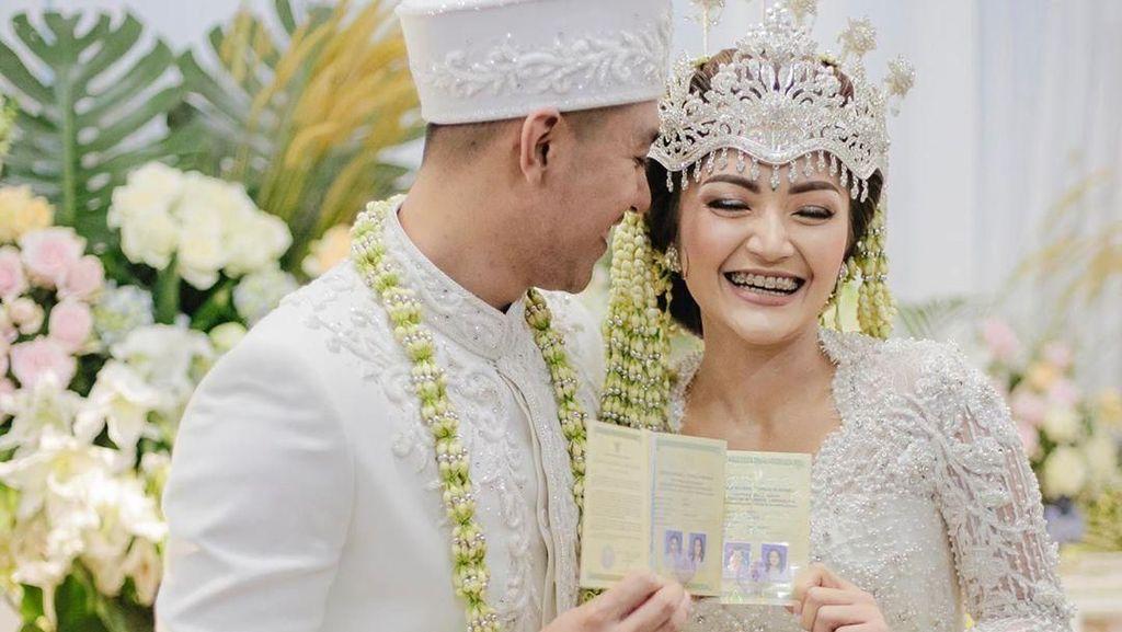 Foto: Cantiknya Siti Badriah Menikah dengan Adat Sunda