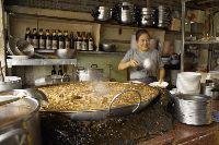 Legendaris! Kaldu di Restoran Ini Dimasak di Panci Selama 45 Tahun