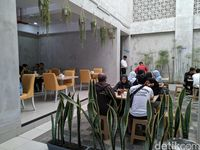 Se'i Sapi Lamalera : Aromatik! Daging Asap dengan Sambal Lu'at Khas Kupang