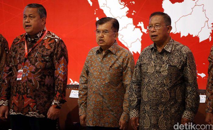 Wakil Presiden (Wapres) Jusuf Kalla (JK) membuka sekaligus mengesahkan rapat koordinasi nasional (rakornas) pengendalian inflasi Tahun 2019 di Hotel Grand Sahid, Jakarta Pusat, Kamis (25/07/2019).