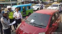 Dishub akan Derek Kendaraan yang Parkir di Jalan Ahmad Yani Serang