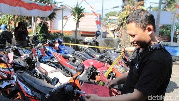 Modal Kunci Magnet, 3 Remaja Gondol Belasan Motor di Bandung