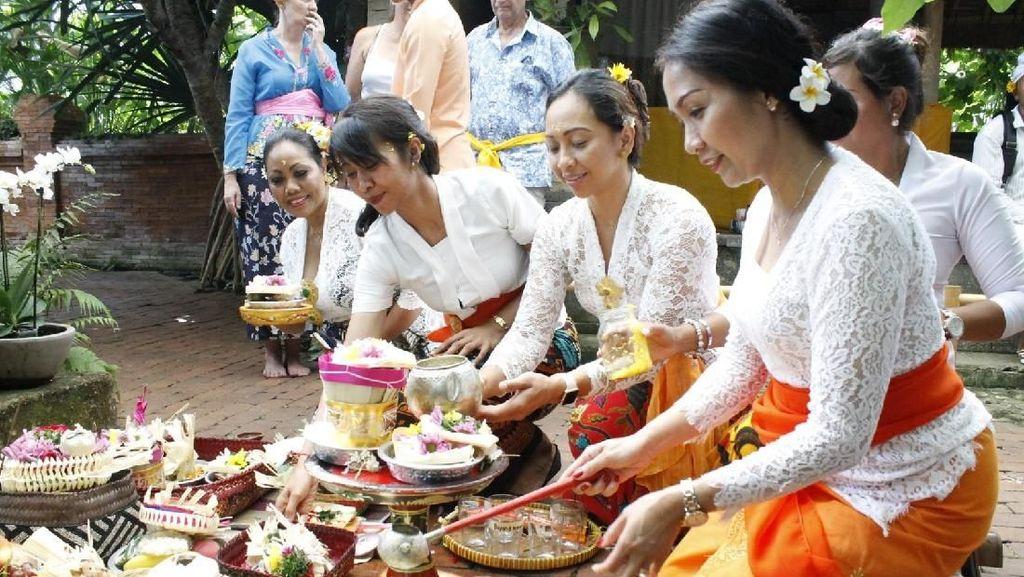Masyarakat Bali di Berlin Rayakan Galungan di Pura Tri Hita Karana