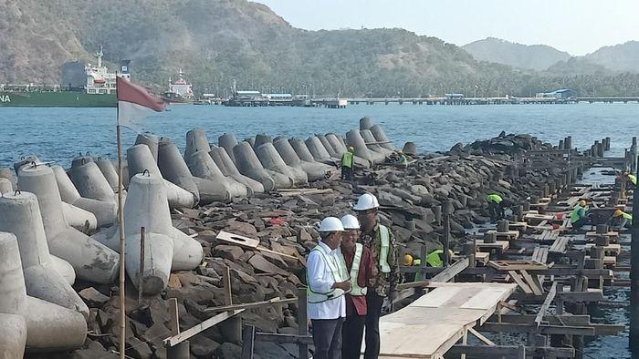 Menhub Budi Karya Sumadi cek Pelabuhan Yacht Tanah Ampo/Foto: Aditya Mardiastuti/detikcom