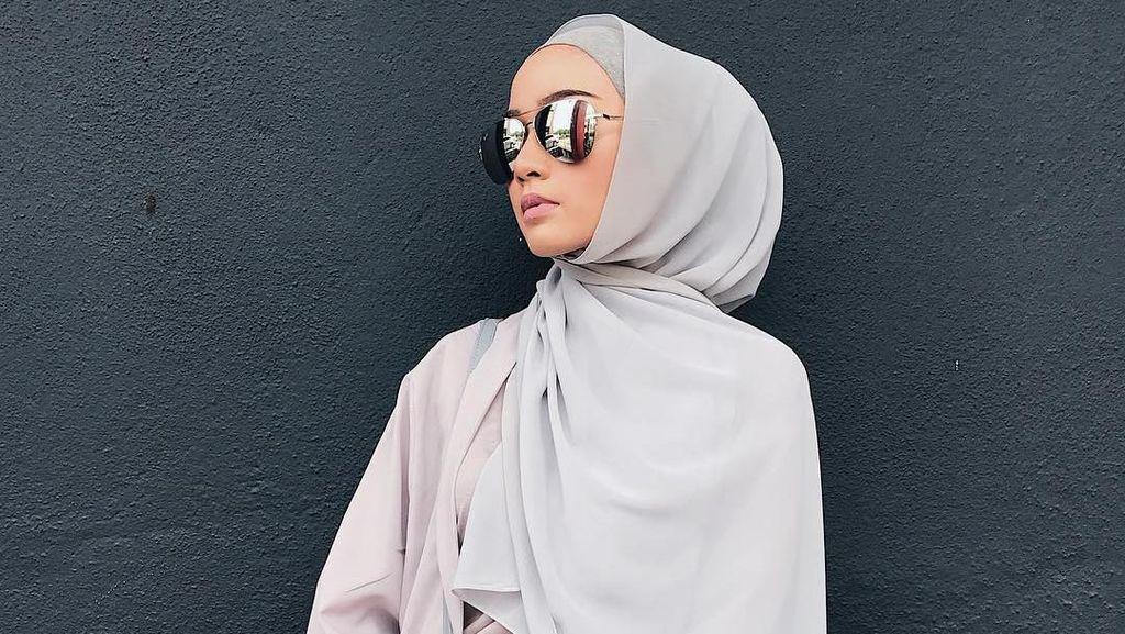 Foto: Gaya Hijab Pashmina Simpel Tanpa Jarum Pentul