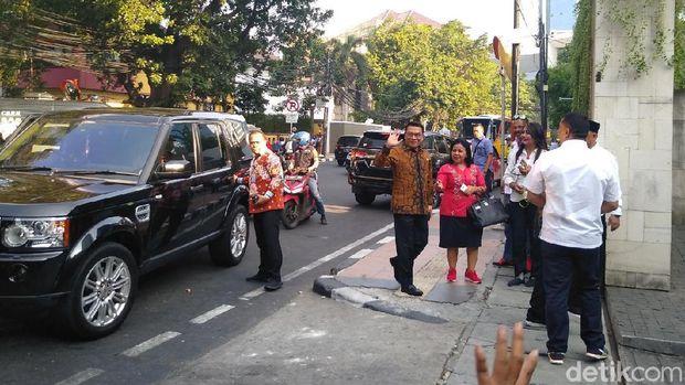 JK-Moeldoko Hadiri Pembubaran TKN Jokowi