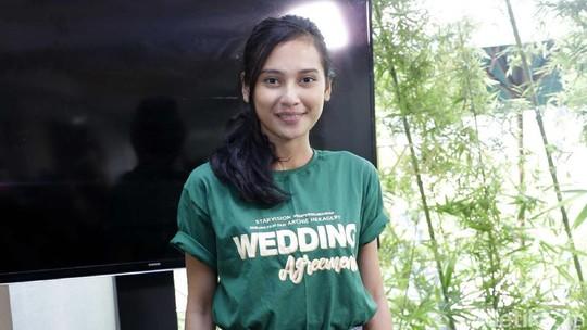 Ditemani Arie Kriting, Indah Permatasari Happy Banget Nih!