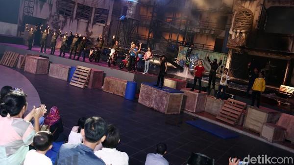 Pertunjukan usai, mereka pun mencoba aneka wahana lain yang ada di Trans Studio Cibubur Theme Park. (Muhammad Ridho/detikcom)