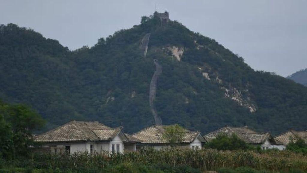 Foto: Tempat Melihat Korea Utara dari China