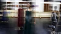Dalam konsep balet kali, ada pesan sosial yang akan disampaikan kepada warga Jakarta melalui gerakan para ballerina muda.