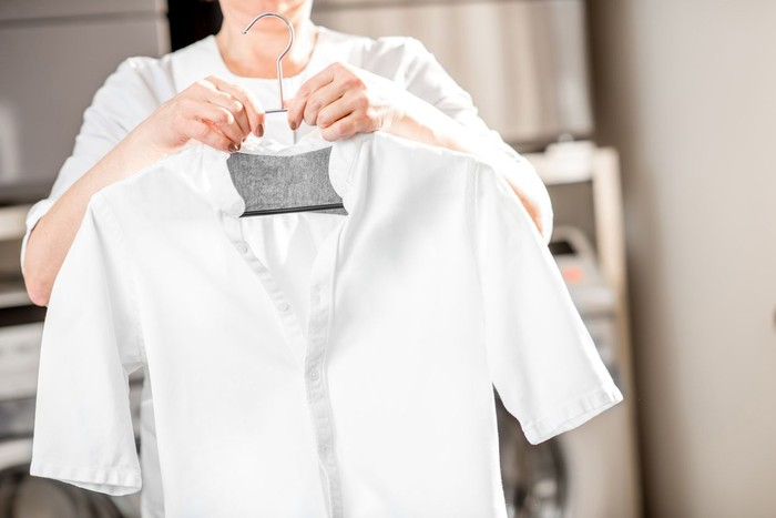 Ilustrasi tips mencuci baju putih. Foto: Dok. iStock