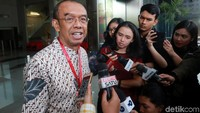 Gatot S Dewa Broto mengaku memberikan kesaksian ke KPK terkait jabatannya sebagai Sekretaris Kementerian Pemuda dan Olahraga (Sesmenpora).
