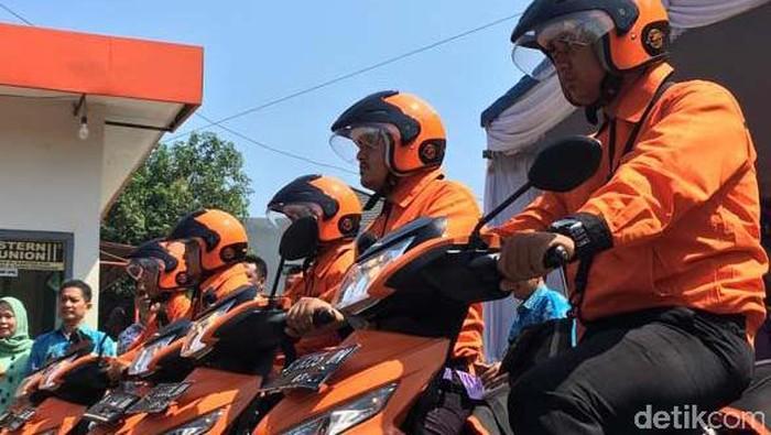PT Pos Indonesia Kantor Regional 7 Jatim meluncurkan inovasi layanan Cash on Delivery Customer to Customer Pos (COD C2C Pos). Mereka pun kini siap bersaing.