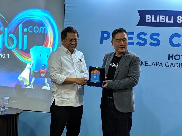 Foto: CEO Blibli Kusumo Martanto dan Menteri Komunikasi dan Informatika Rudiantara (Foto: Adi Fida/detikcom).
